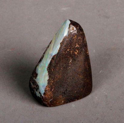 Opale brute. Pds 53 g