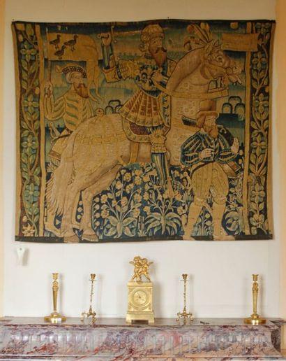 Elément de tapisserie à décor d'un cavalier...