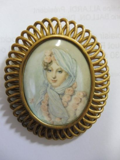 MINIATURE-BROCHE ''jeune femme aux roses:...