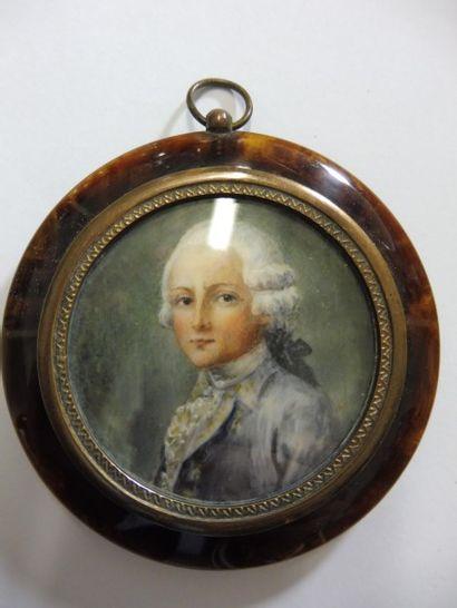 MINIATURE ''jeune homme en costume du XVIIIème''...