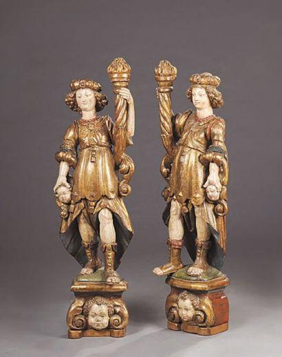 Paire de personnages en bois sculpté laqué...