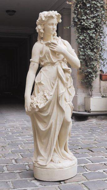 Statue en terre cuite laquée représentant...