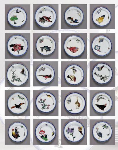 Service ROUSSEAU Important service de table en faïence à décor japonisant polychrome...
