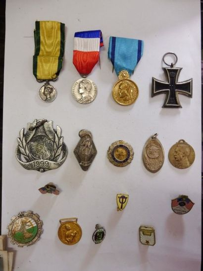 MEDAILLES croix de fer 1918, MEDAILLE VICTORIA,...