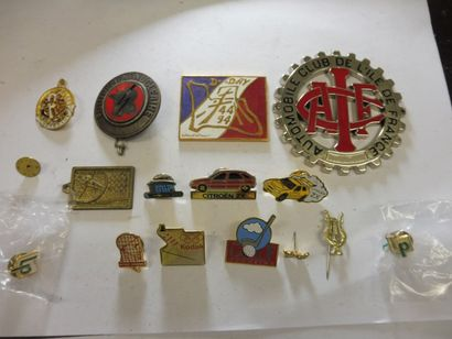 4 MEDAILLES TCF vétéran, Automobile club...