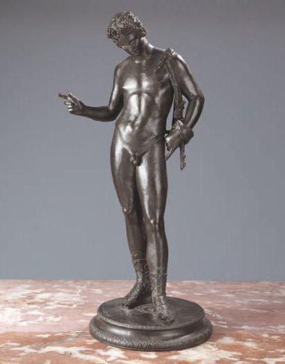 Bacchus en bronze à patine noire monté sur...