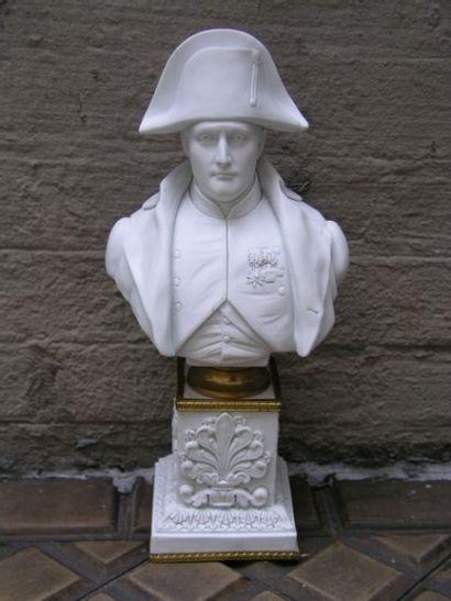 Buste de l'empereur Napoléon Ier en biscuit,...