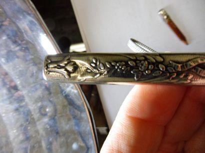 ETUI A CRAYON décor ''rameau fleuri et ruban'' – argent – longueur 8,2 cm (petit...