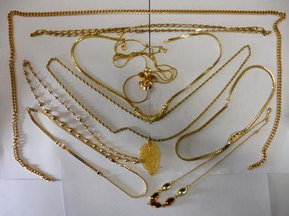 9 COLLIERS métal doré (bon état)