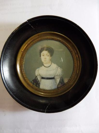 ECOLE FRANCAISE vers 1820 ''jeune femme à...