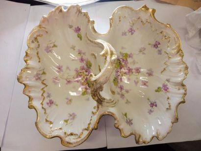 COUPE A APERITIF à deux compartiments décor à la violette rehaut de dorure porcelaine...