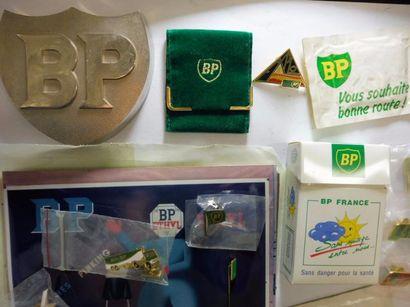 De la marque d'essence BP : 11 PINS différents...