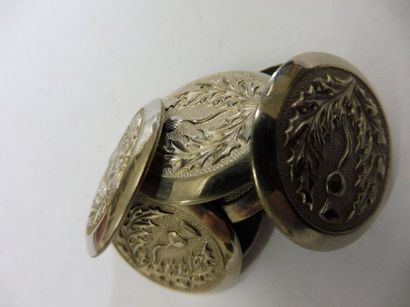 8 GROS BOUTONS décor ''au chardon'' métal...