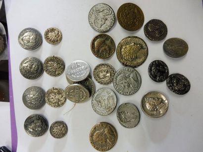 LOT DE BOUTON façon ''pièce de monnaie''...