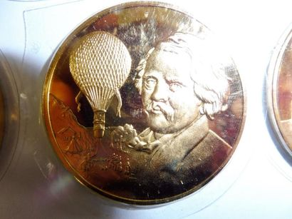 12 MEDAILLES du médailler FRANKLIN: série ''Musée de l'air'' vermeil – 455 g.