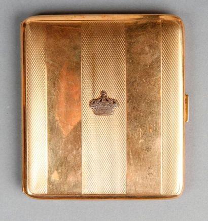 ETUI À CIGARETTES en or jaune (750), orné...