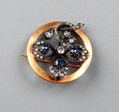Jolie BROCHE trèfle ornée de diamants taillés...