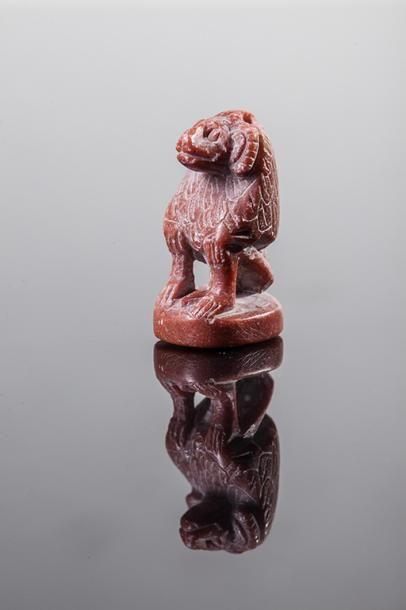 AMULETTE pendentif représentant un singe...