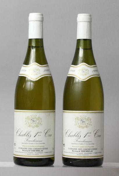 """Deux bouteilles Chablis 1er cru """"Fourchaumes""""..."""