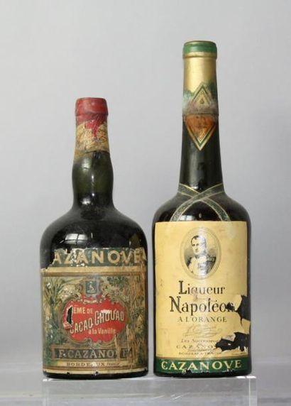 Deux flacons LIQUEUR NAPOLEON À L'ORANGE...