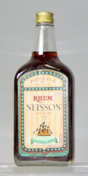 Une bouteille RHUM NEISSON Privilège 7 ans...