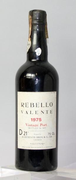 Une bouteille PORTO REBELLO VALENTE - ROBERTSON...