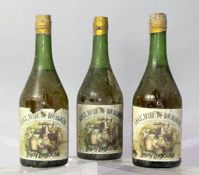 Trois bouteilles VIEUX MARC DE BOURGOGNE...