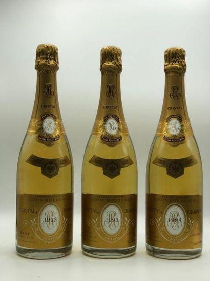 3 bouteilles CHAMPAGNE Cristal Louis Roederer...