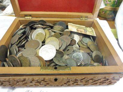 LOT de 488 PIECES de monnaie France et étranger...