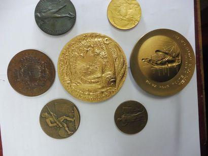 7 MEDAILLES en bronze: Société PHILOMATIQUE...