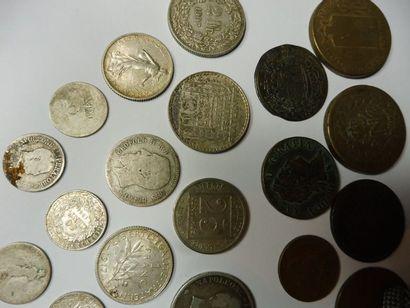 LOT de 45 monnaies bronze et argent principalement...