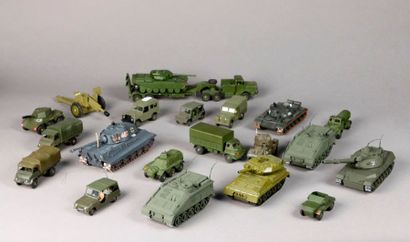 DINKY TOYS – DSTF – DTA et divers : véhicules...