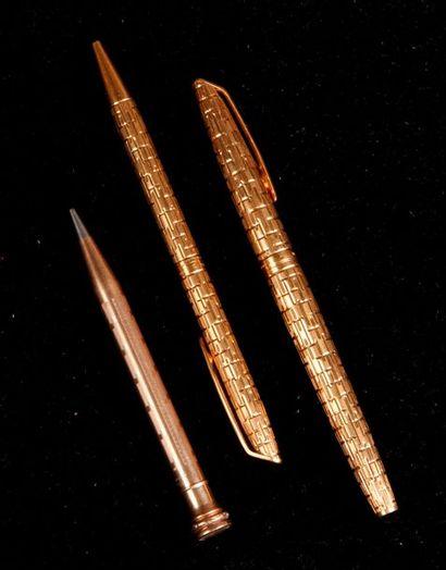 PORTE-MINE et CRAYON BILLE en métal doré...