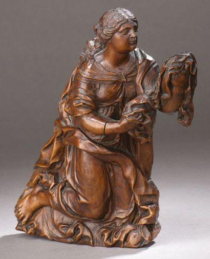 BAS-RELIEF en poirier sculpté représentant...