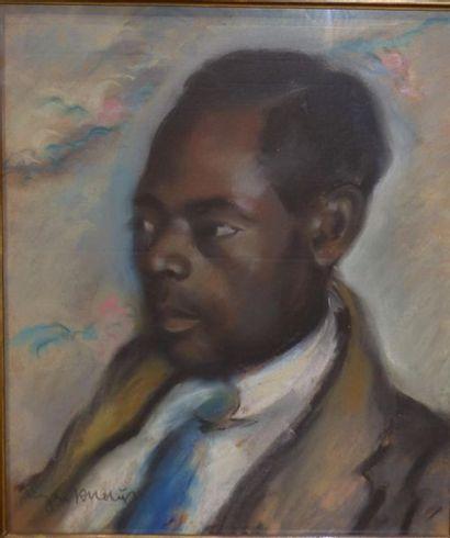 Eugen KNAUS (1900 - 1976) Portrait d'homme,  Pastel sur toile  Signée en bas à...