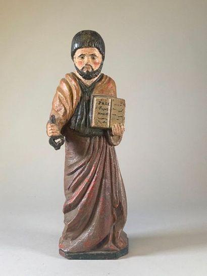 Statue de Saint Pierre en bois polychrome....