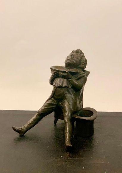 Encrier en fonte de fer imitant le bronze,...