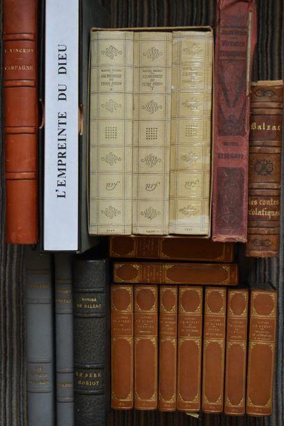 LOT de livres illustrés modernes.