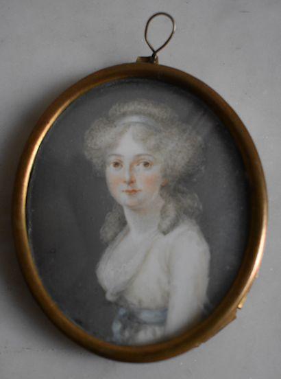 MINIATURE ovale : Portrait de femme à la...