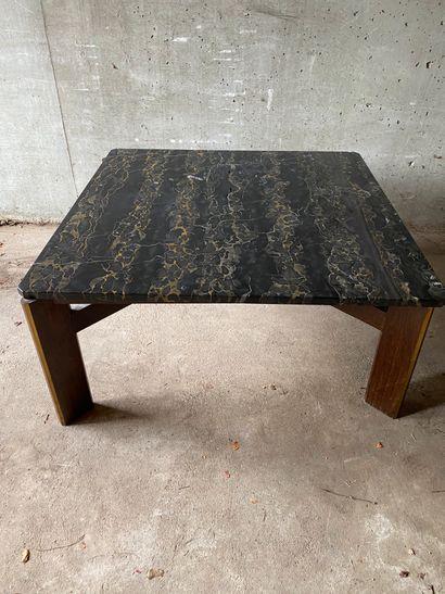 TABLE BASSE carrée, piètement bois teinté,...