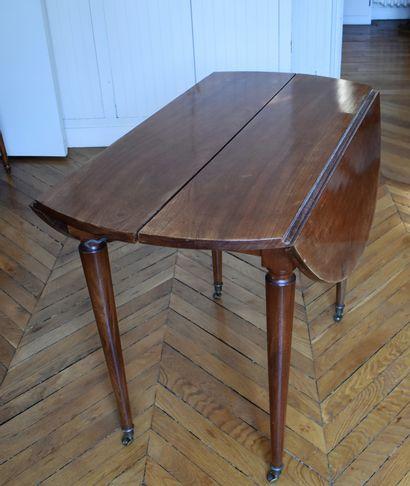 TABLE DE SALLE A MANGER moderne, à volets...