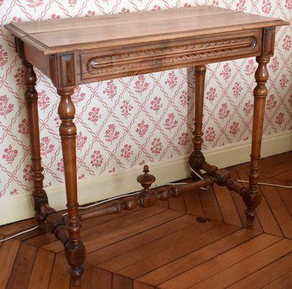 TABLE de milieu rectangulaire, style Henri...