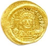 JUSTINIEN Ier 527-565. Son buste casqué et...