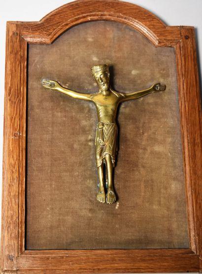 CHRIST en bronze doré de style roman. Haut....