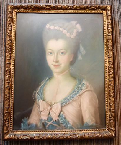 ECOLE FRANÇAISE du XVIIIe siècle : Portrait...