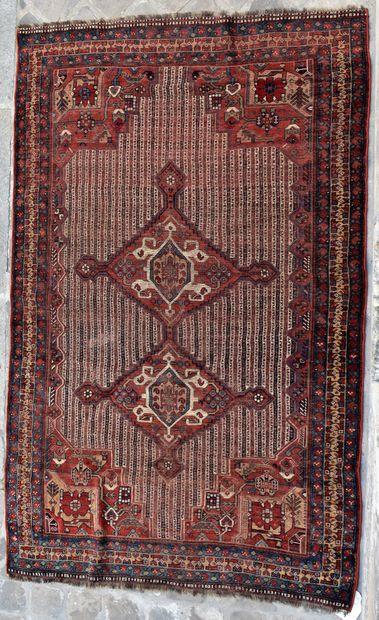 TAPIS. Long. 230 - Larg. 145 cm (Usures,...