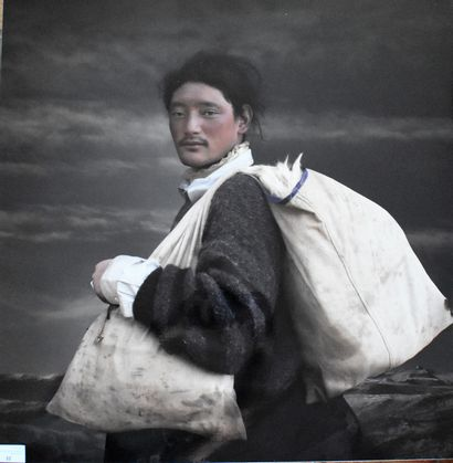 YANG BIN : Commerçant tibétain. Photographie...