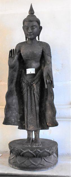STATUETTE de Bouddha en bois teinté sur...