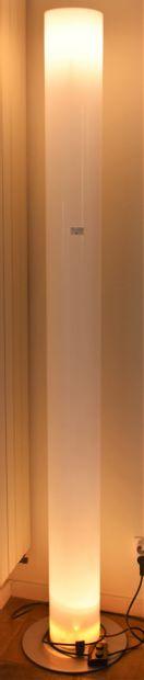 LAMPADAIRE tube halogène en altuglass. Maison...