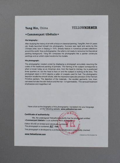YANG BIN : Commerçant tibétain. Photographie en couleurs sur panneau. Provenance...